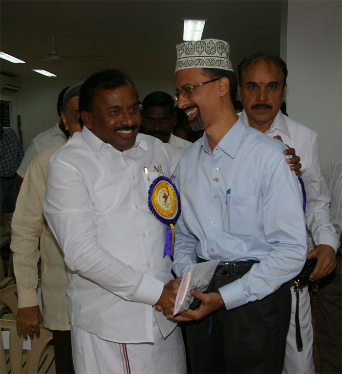 Thiru. Saidai Duraisamy, Mayor of Chennai Corporation and Dr.A. Muruganathan, Vice President - Indian Red Cross Society, Tamil Nadu State Branch