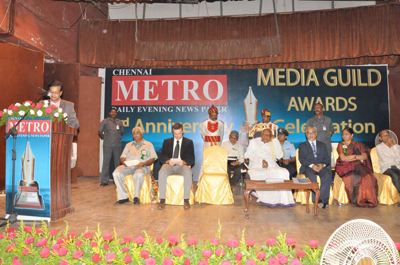 Mr Vasi Garan, Editor in Chief - 'Chennai Metro' Daily Evening Newspaper addressing the gathering.