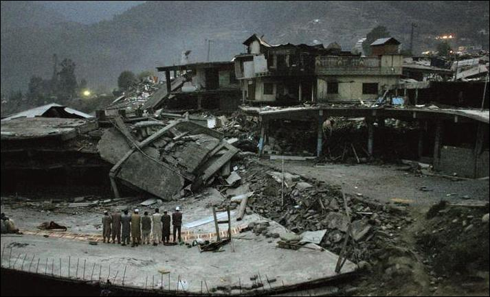 Earthquake time muslims never forget to pray Allah